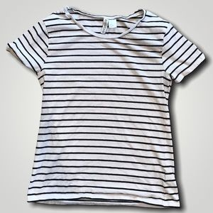 H&M Divided Black and white striped t-shirt